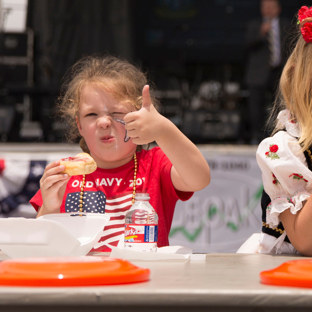 Kolahce Eating Contest