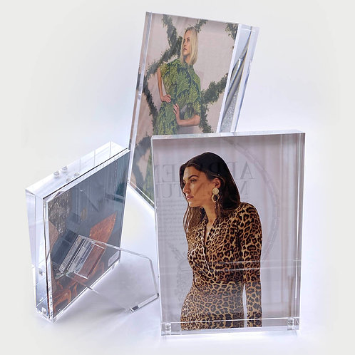 Magnet Floating Photo Frame
