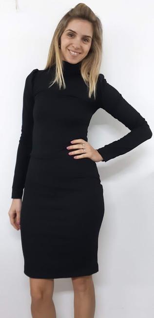 שמלה שחורה צמודה.jpg