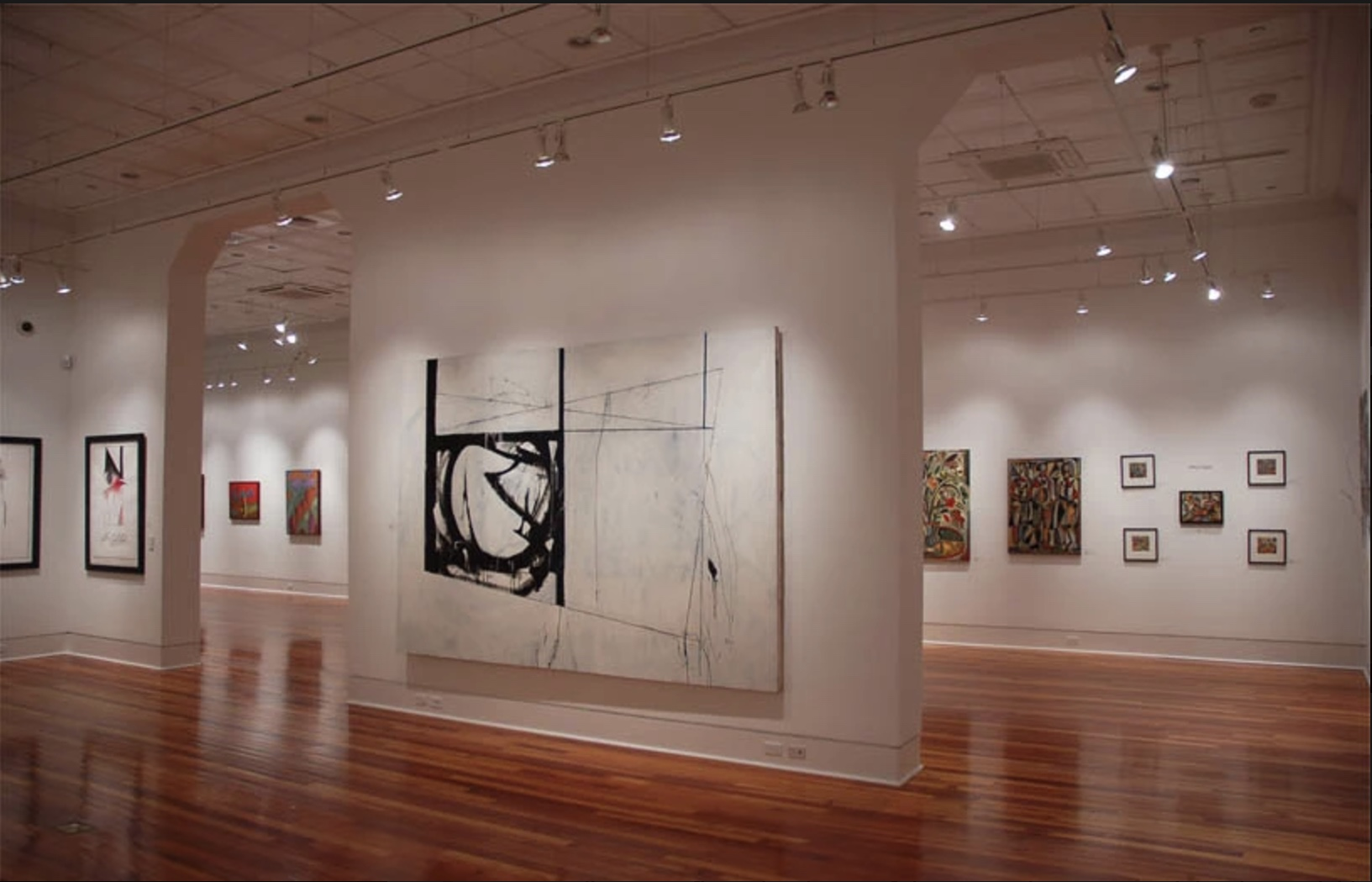 Gallery expanse