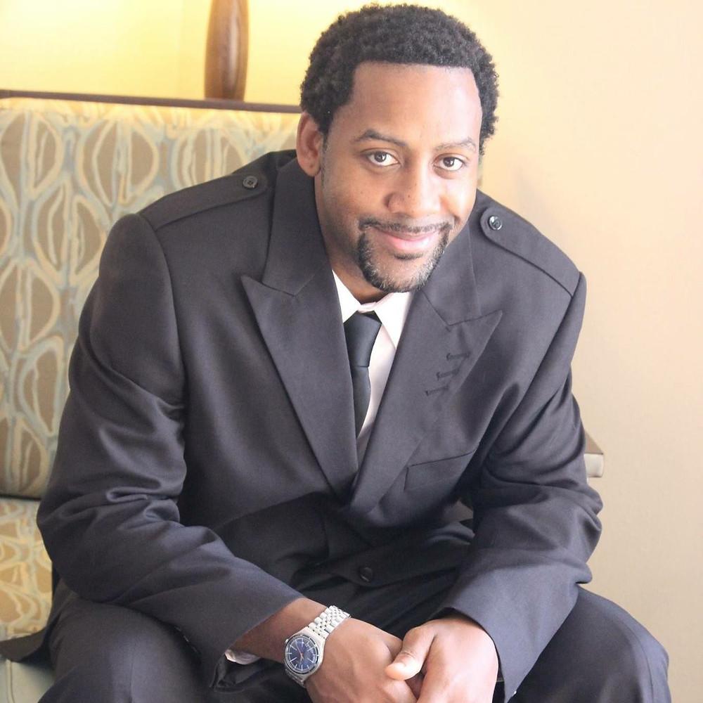 Author R.D.Murray