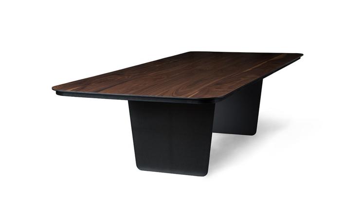 Tokyo Furniture: pedestais, pias batismais e móveis ritualísticos na Maison & Objet