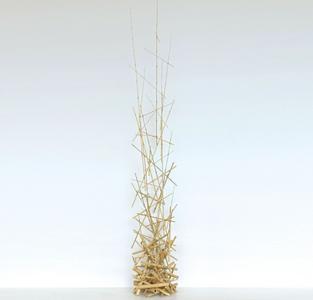Regis Lesserteur: escultura de bambu. pedestais, pias batismais e móveis ritualísticos na Maison & Objet