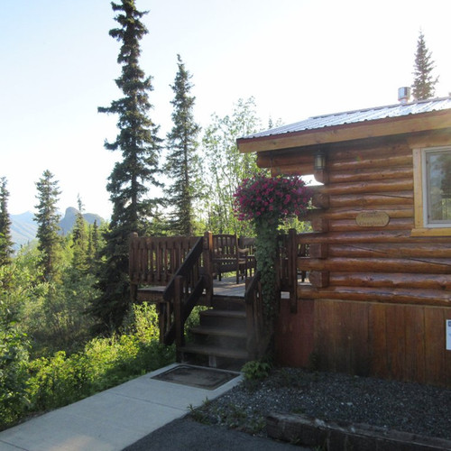 tundra-rose-guest-cottages.jpg
