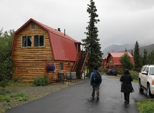 tundra-rose-guest-cottages (2).jpg