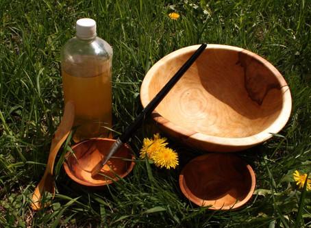 Přírodní oleje na dřevo