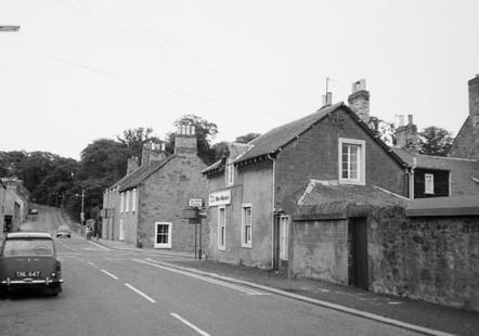 Beanburn_Old Town_High St crossroads.jpg