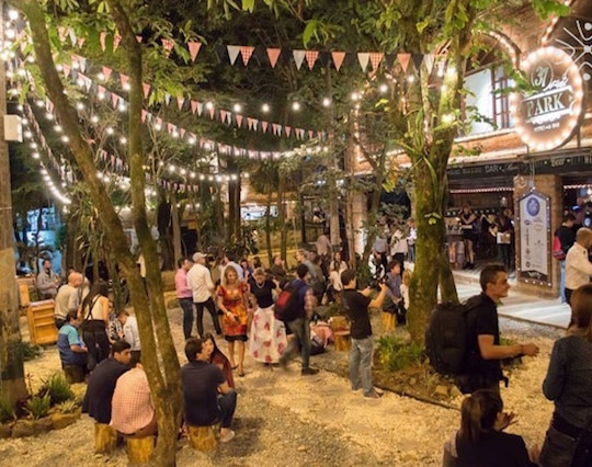 Nightlife-Parque-Lleras-Medellin.jpg