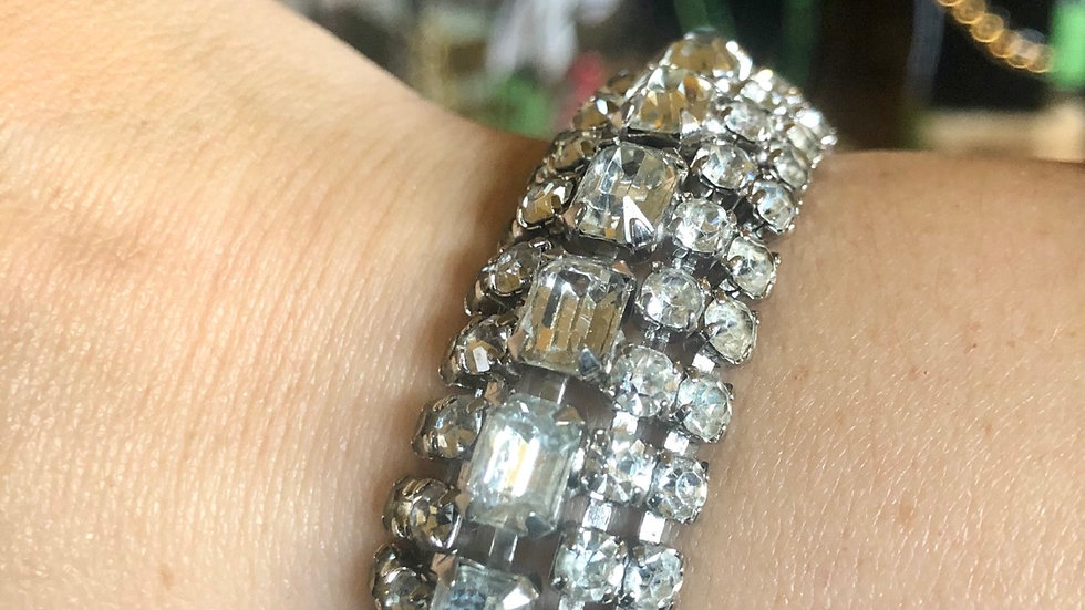 Amazing 1950s Rhinestone Bracelet