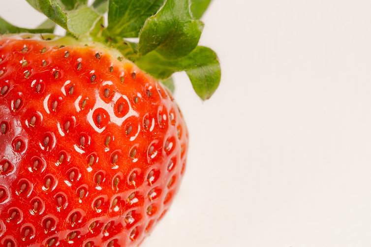 strawberry-fruit-934056.jpg