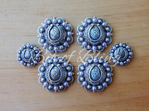 Antique Silver Round Berry Horseshoe Saddle Concho Set - Light Amethyst Pearls