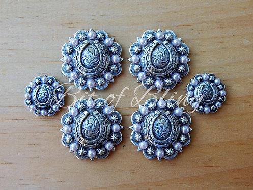 Antique Silver Round Berry Horseshoe Saddle Concho Set - Light Rose Pearls