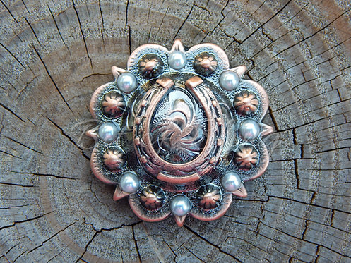 Copper Round Berry Horseshoe Concho - Ivory Pearls