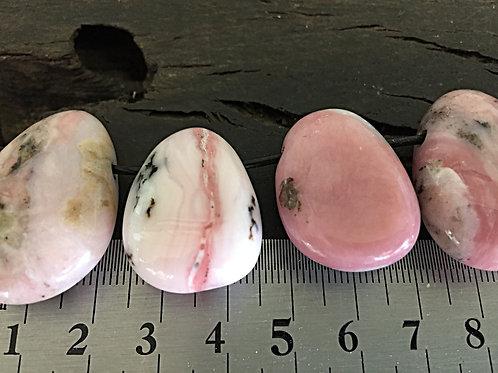 Opal Pink m. 3 mm. hul ca.10 gr.