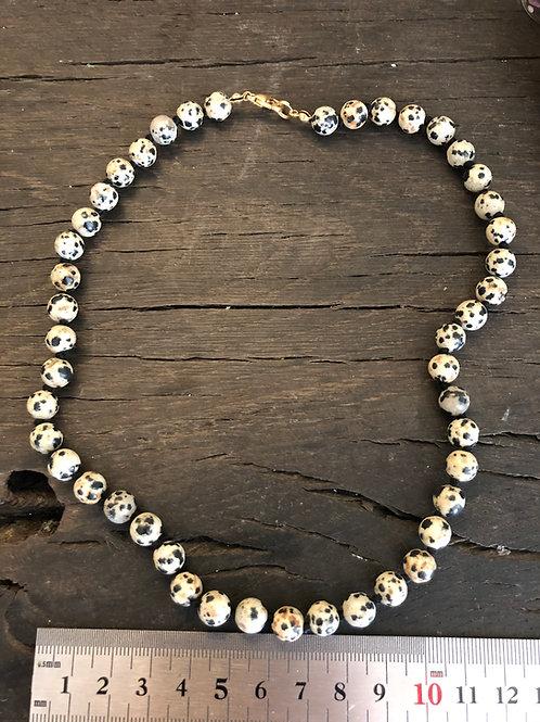 Jaspis Dalmatiner halskæde ca. 45 cm. 8 mm. perler