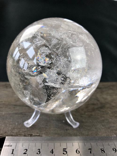 Bjergkrystal kugle 7,5 cm. ca. 615 gr.