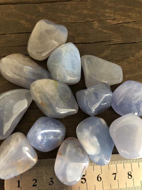 Calcedon blå ca. 10 -15 gr. smuk kvalitet