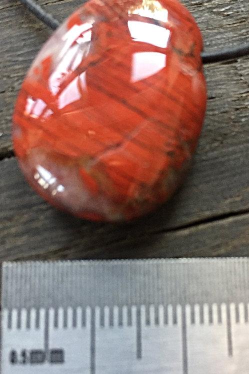 Jaspis Rød m. 3 mm. hul ca. 10-12 gr.