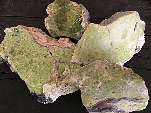 Opal grøn ca. 70 - 120 gr.