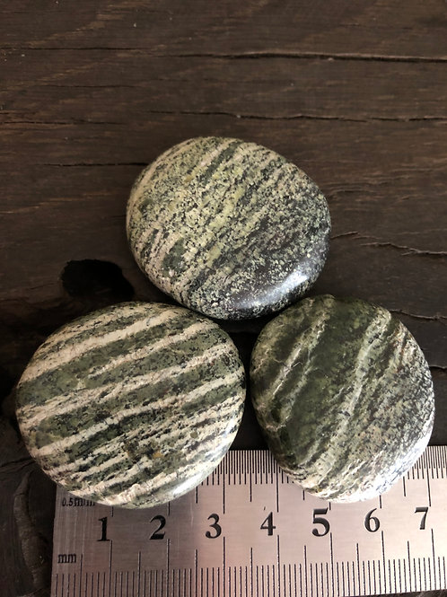 Serpentin Sølvøje Chakra sten ca. 22 gr.