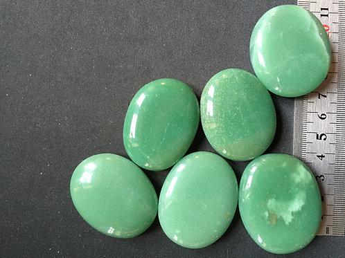 Aventurin grøn ca. 30-35 gr. velegnet til chakra sten