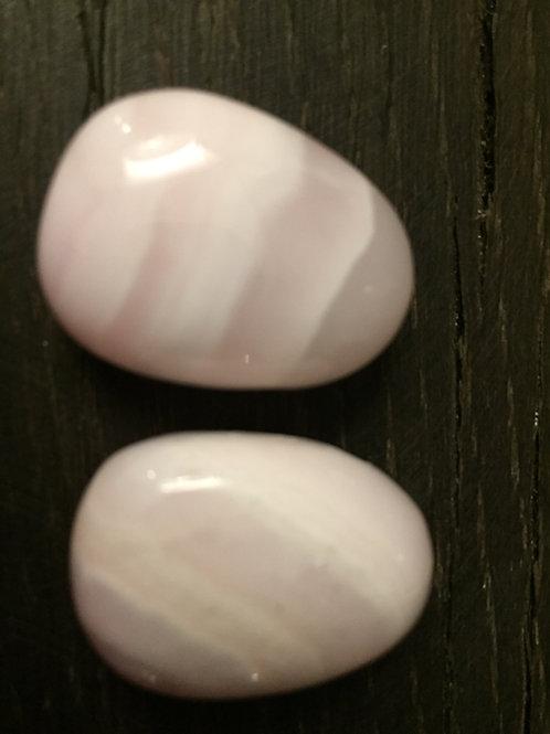 Calcit Mangano m. 3 mm. hul, ca. 13 gr.