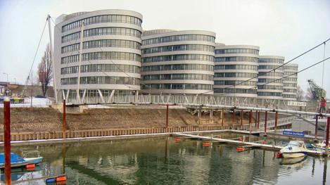 Bürogebäude