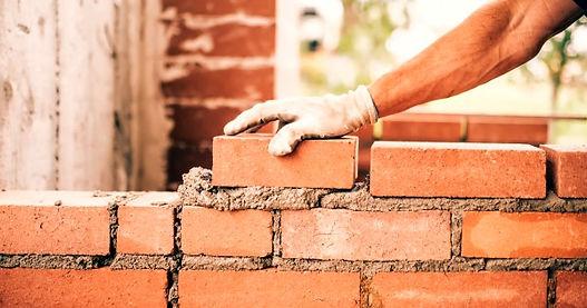 15_bricklaying-600x315w_edited.jpg