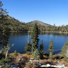 high sierra moutain lake