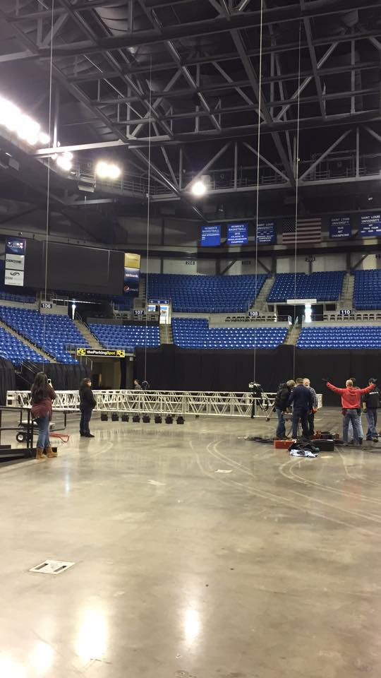 Lifting truss with LED lights for Kickboxing ring