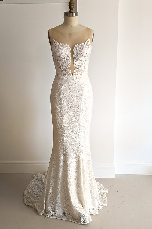 Mariana Hardwick, Stretch Lace Gown,size 10/LMT size 8