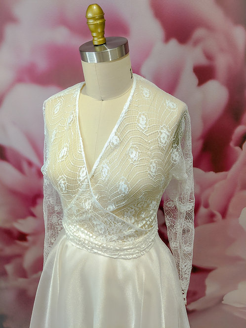 White French Lace wrap overlay, size S-M