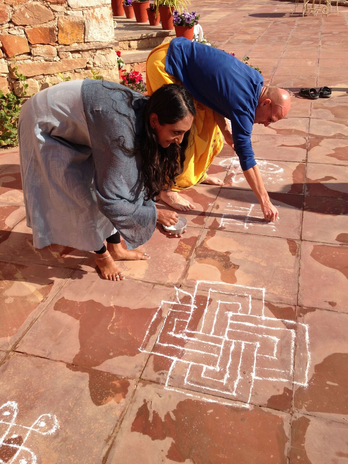 Krupa making kolam_preview