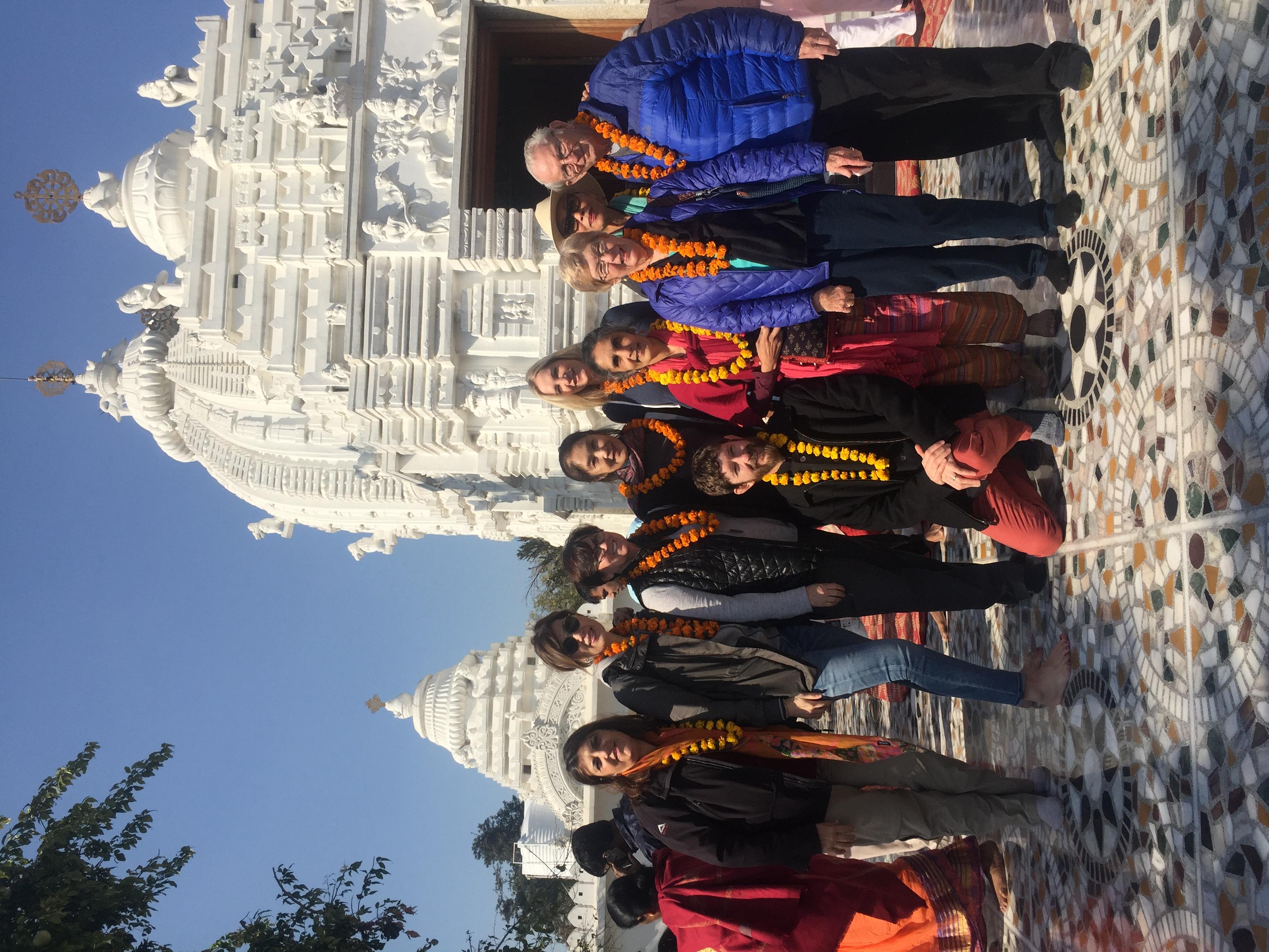 11 Students at Jagganatha Temple New Del