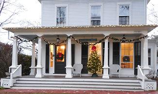NIA house Holiday Decor.JPG