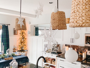 Hanging Snowballs & Snowflakes for the Holiday Season