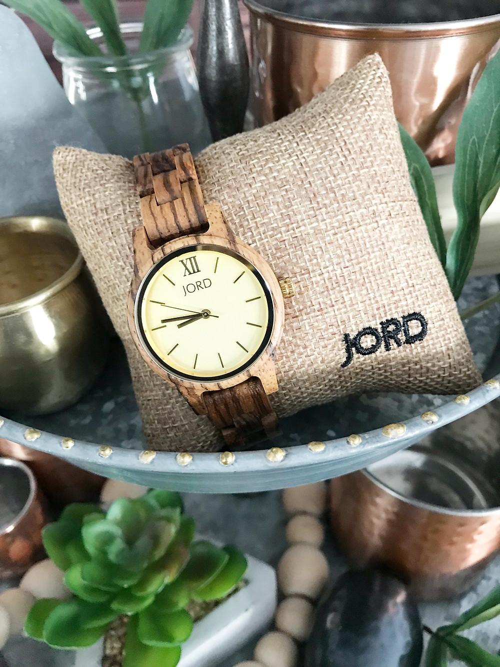 "{C}{C}{C}{C}{C}{C}{C}<!-- JORD WOOD WATCHES ARTICLE WIDGET START --> <a id=""woodwatches_com_widget_article""  ishidden=""1""  title=""Wooden Wrist Watch"">Wooden Wrist Watch</a>  {C}{C}{C}{C}{C}{C}{C}<!-- JORD WOOD WATCHES ARTICLE WIDGET END -->"