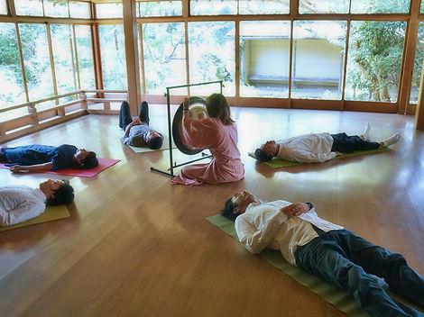 ゴング瞑想2.JPG