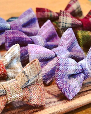 tweed dog bows