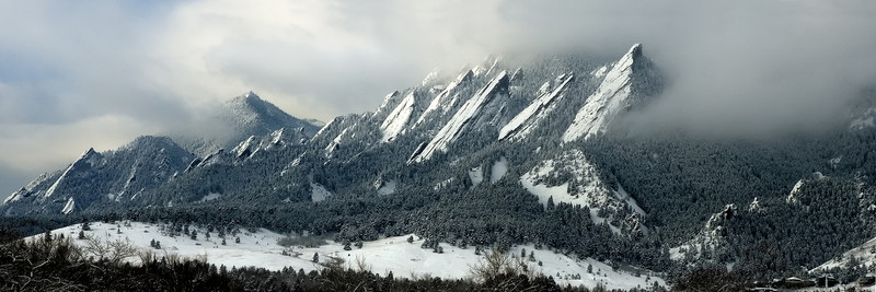 Colorado-Misty-Flatirons-Pano