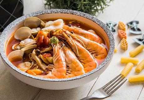番茄紅醬綜合海鮮義式湯麵