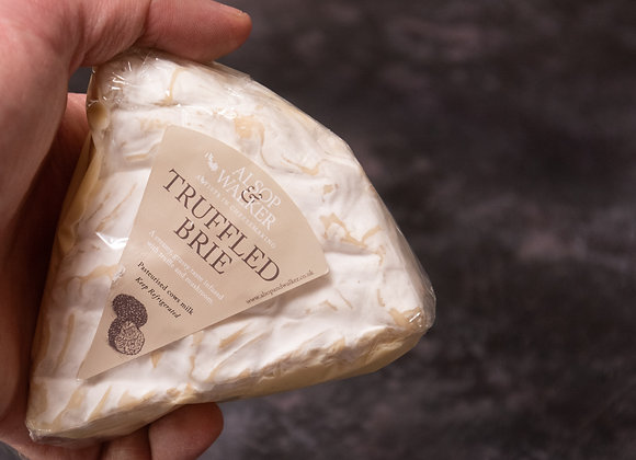 Sussex Brie with Truffles (180g -200g) Alsop & Walker