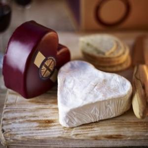 Deerview Fine Foods Godminster Heart Cheddar Brie
