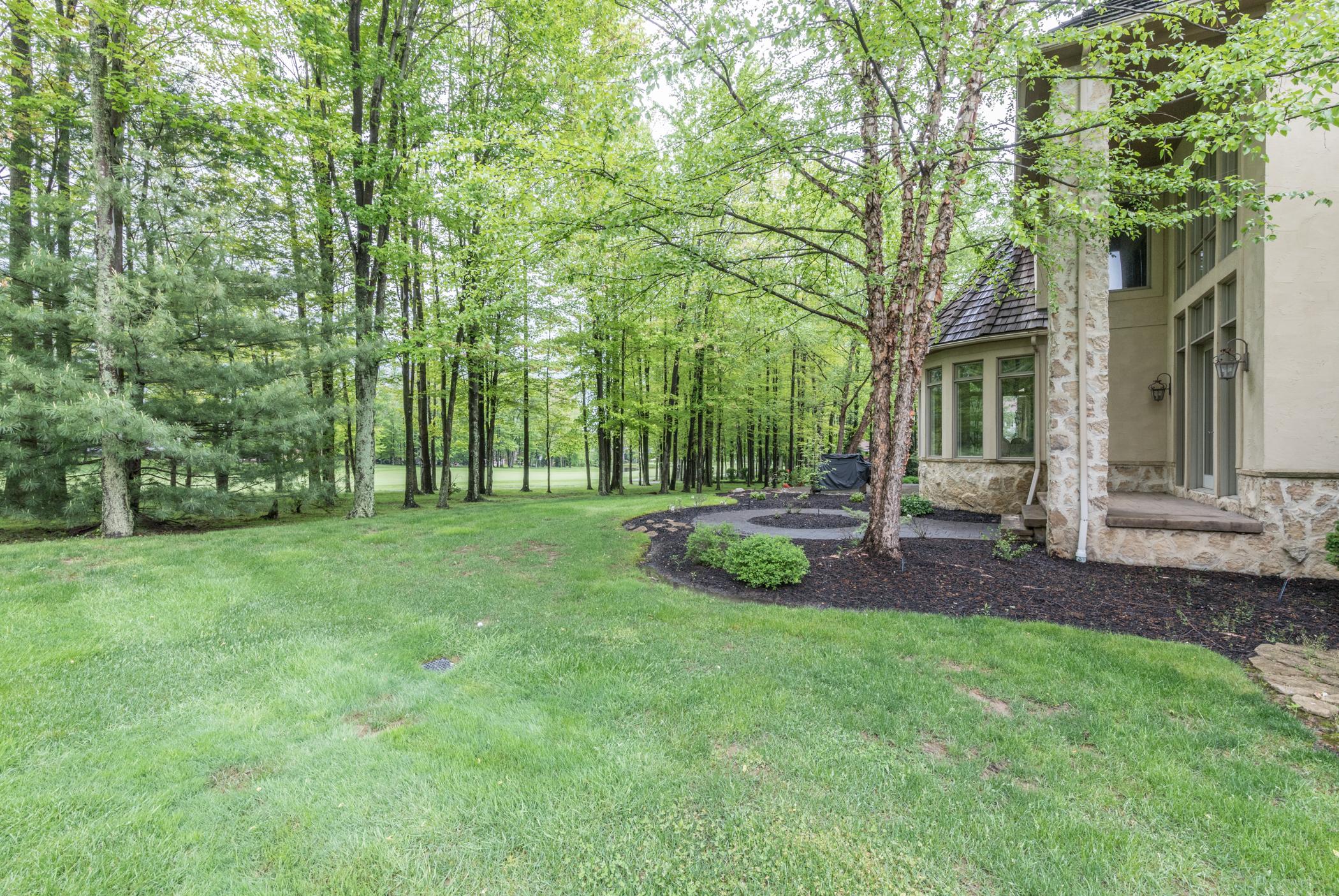 Elegant landscaping & hardscaping
