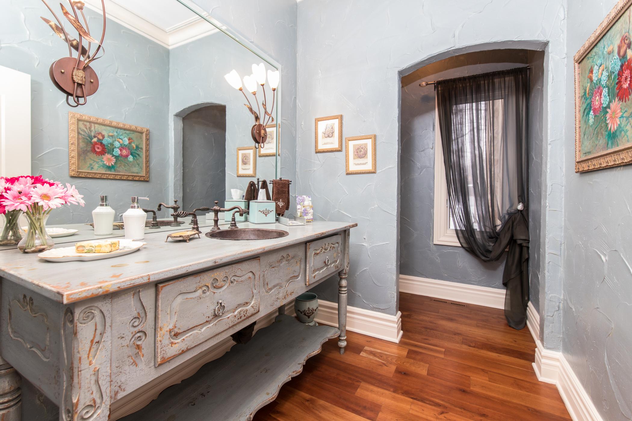 Glamorous powder room