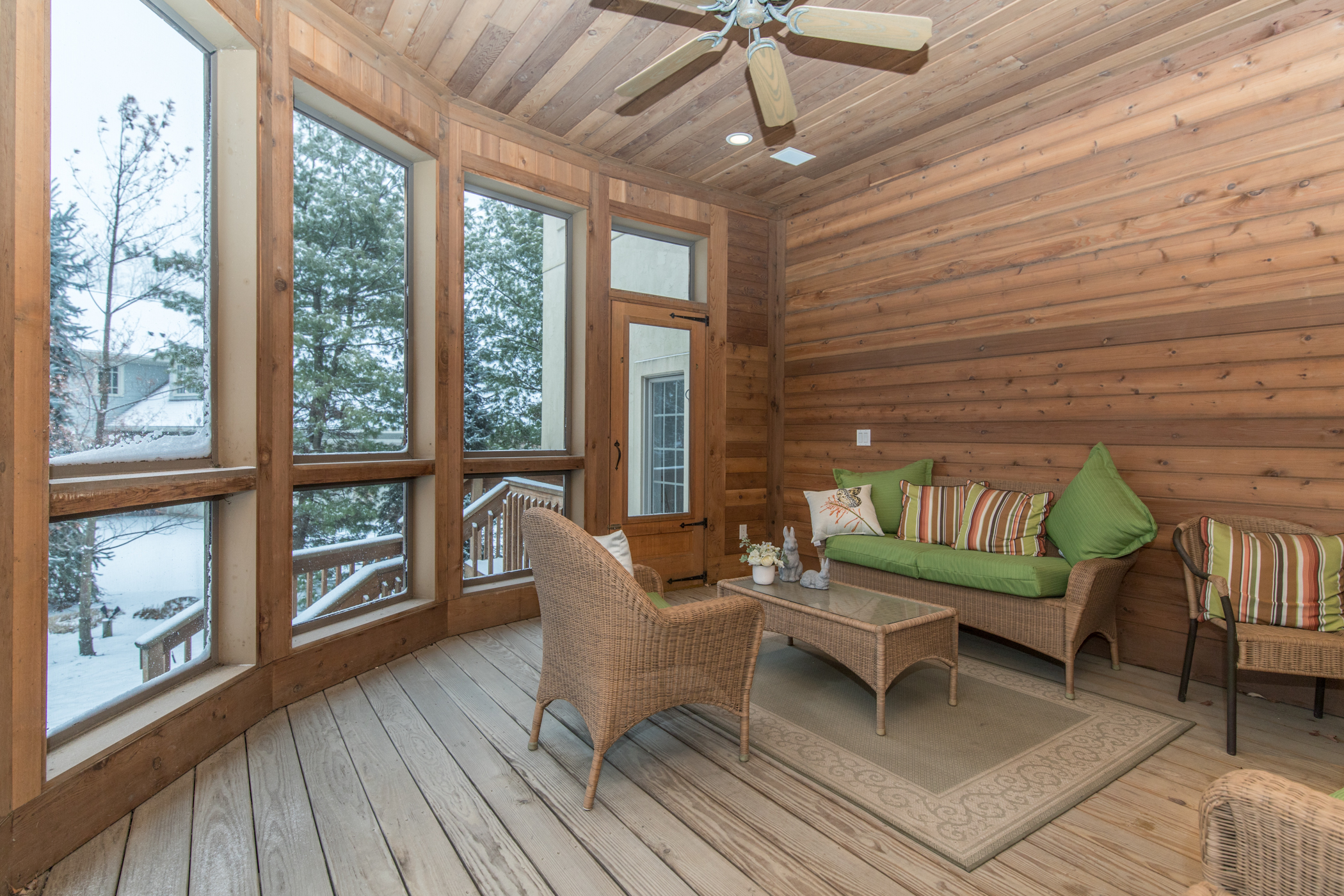 Screened in porch off of family room