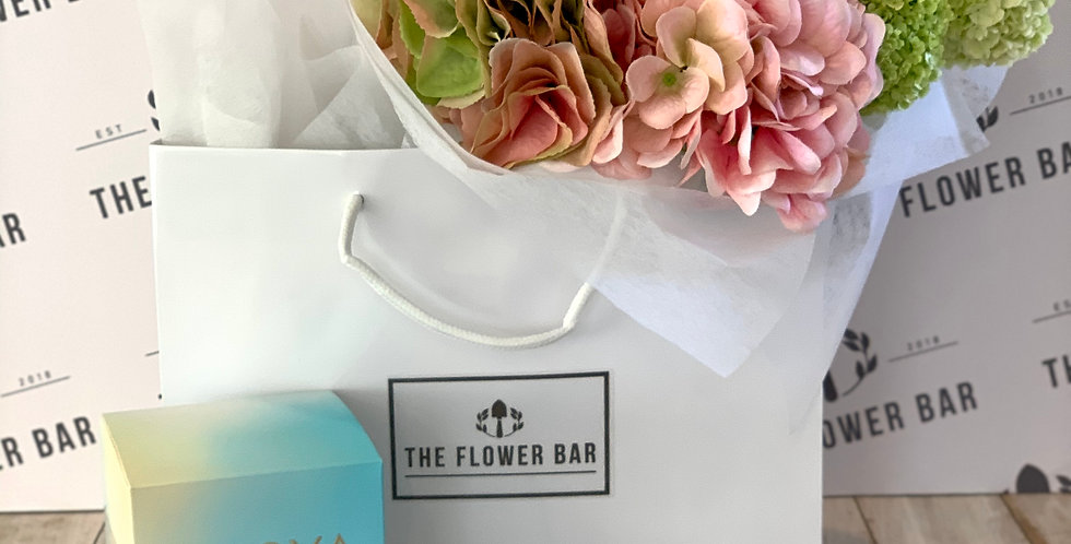 CANDLE & BOUQUET IN BAG