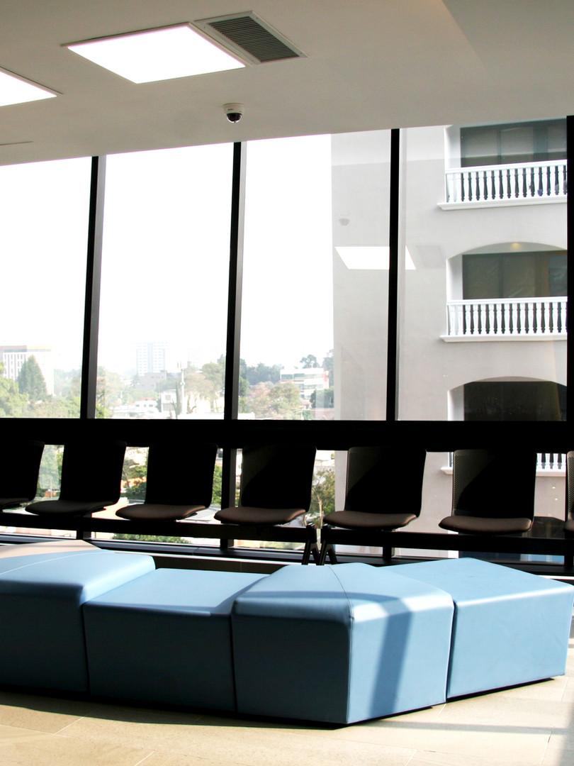 Sala de Espera Centro Clínico Cabeza y Cuello