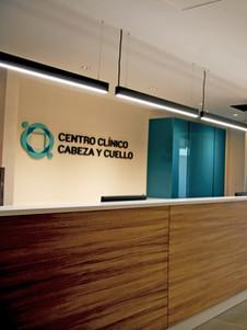 Recepción Centro Clínico Cabeza y Cuello