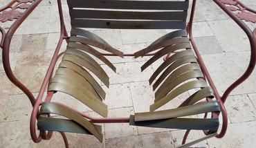 Chair-broekn-straps.jpg